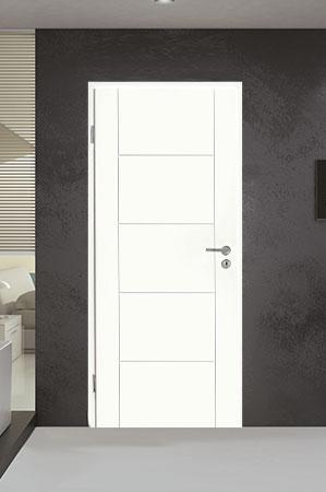 Türelement in Weißlack Design 9010 mit sechs Rillen quer und längs