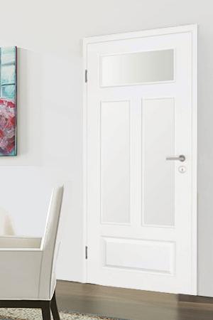Türelement in Weißlack Stil 9010 mit einer kleinen Füllung und drei Lichtausschnitten